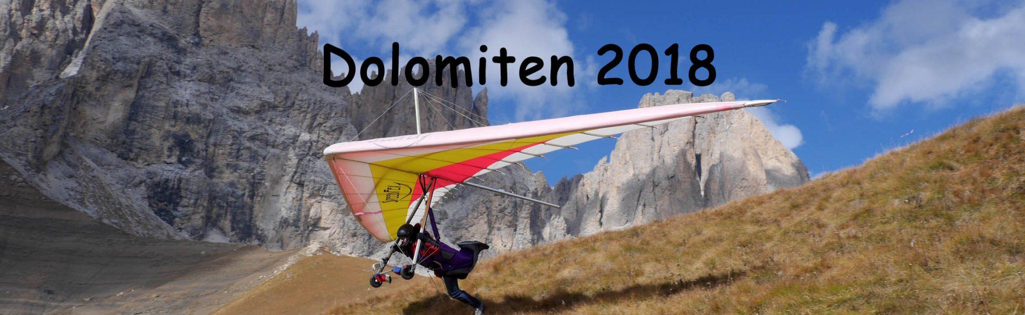 Drachenflieger in den Dolomiten startet