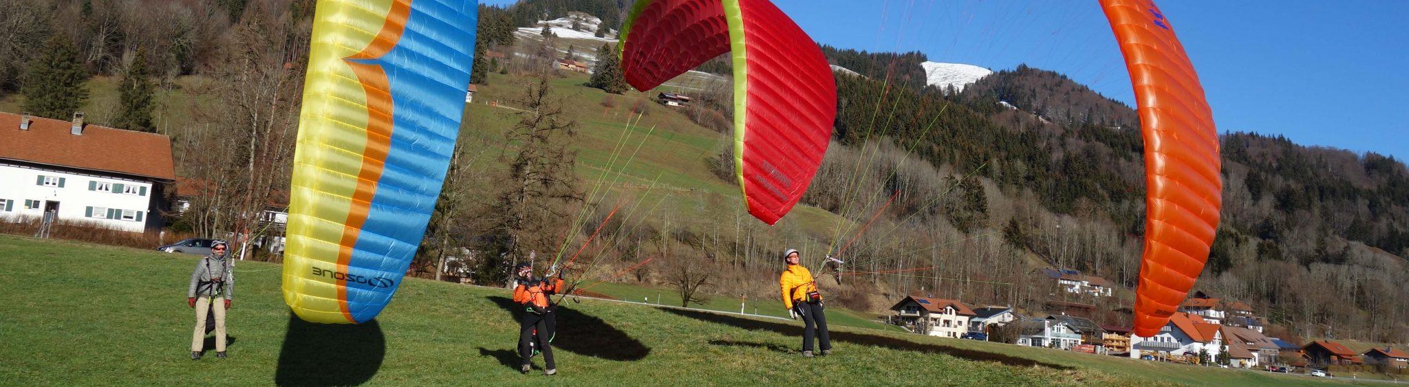 Gleitschirmausbildung; einfach Paragliden lernen